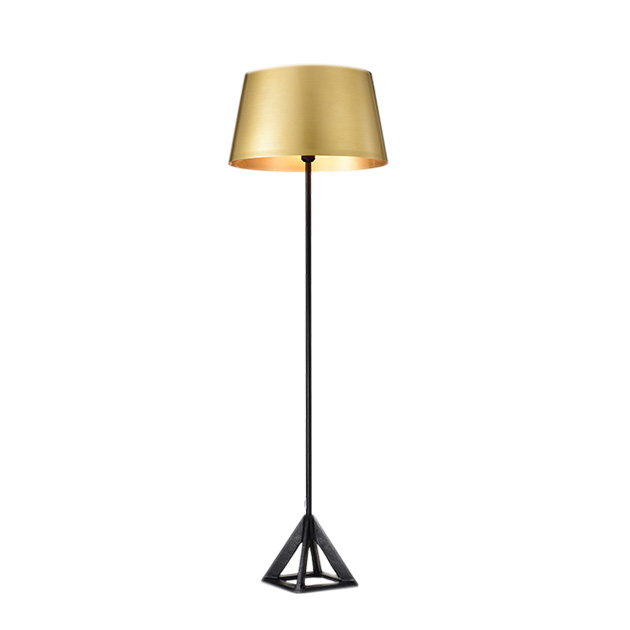 Tom Dixon 金沙立燈 1