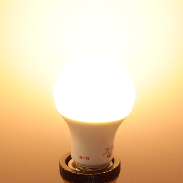 10W LED E27 燈泡 3