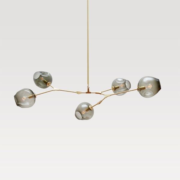 5頭吊燈,光源來到5顆,可以用在小客廳了