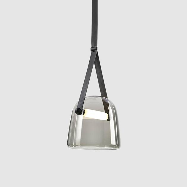 Brokis Mona 皮革玻璃吊燈 1